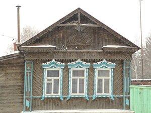 Старый дом украшенный резьбой