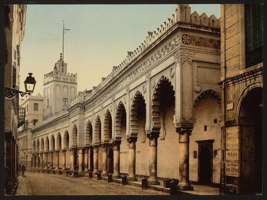 Great mosque in the marine street, Algiers, Algeria