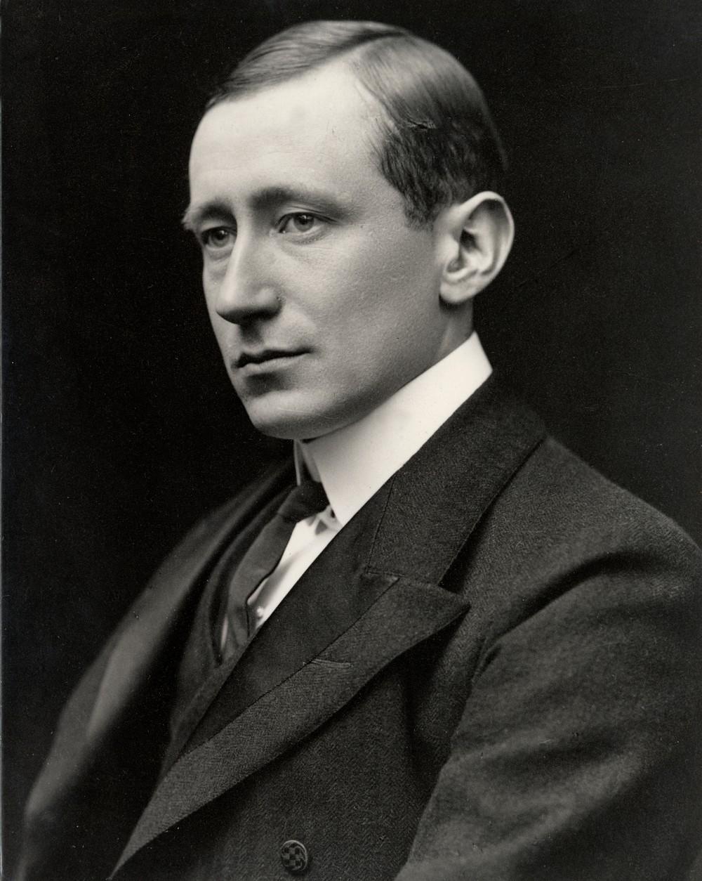 Год 1920 Гулье́льмо Марко́ни итальянский учёный изобретатель, бизнесмен. Один из первопроходцев в области беспроводной связи. Итальянский Нацист.