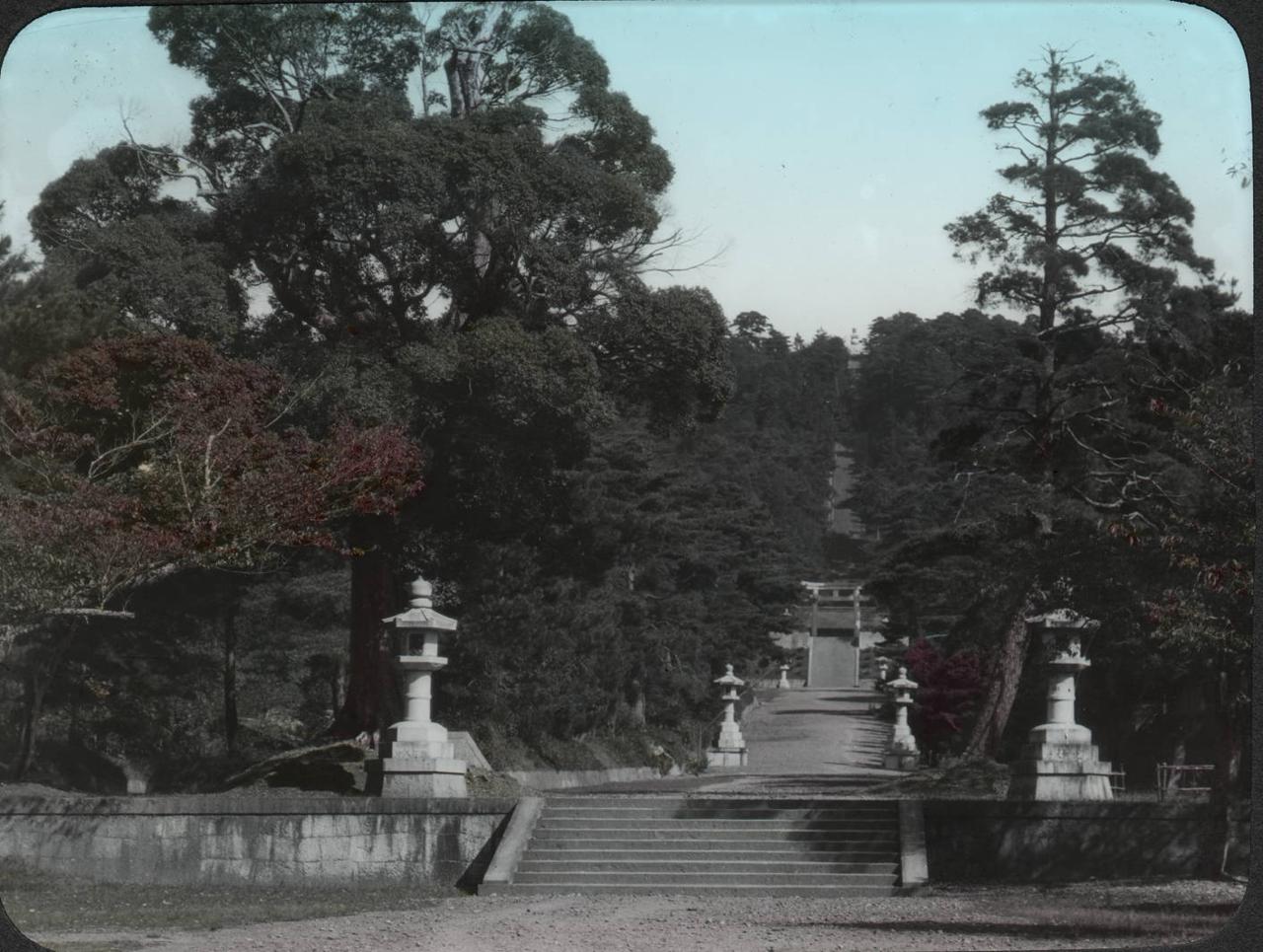 Киото. Каменные ступени к могиле Хидэёси