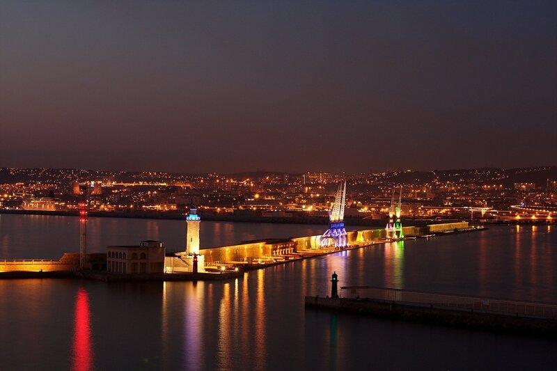 Новый порт после заката