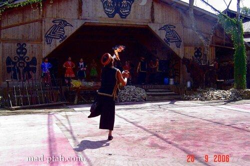 огненное шоу, деревня ли и мяо, хайнань, китай