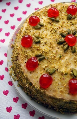 Фисташково-вишневый торт