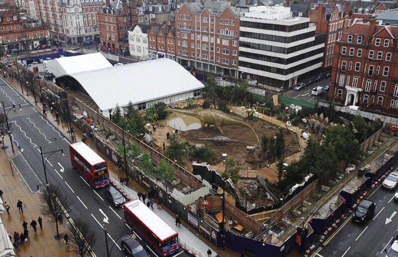 В Лондоне на Оксфорд-стрид создан под открытым небом анимационный...