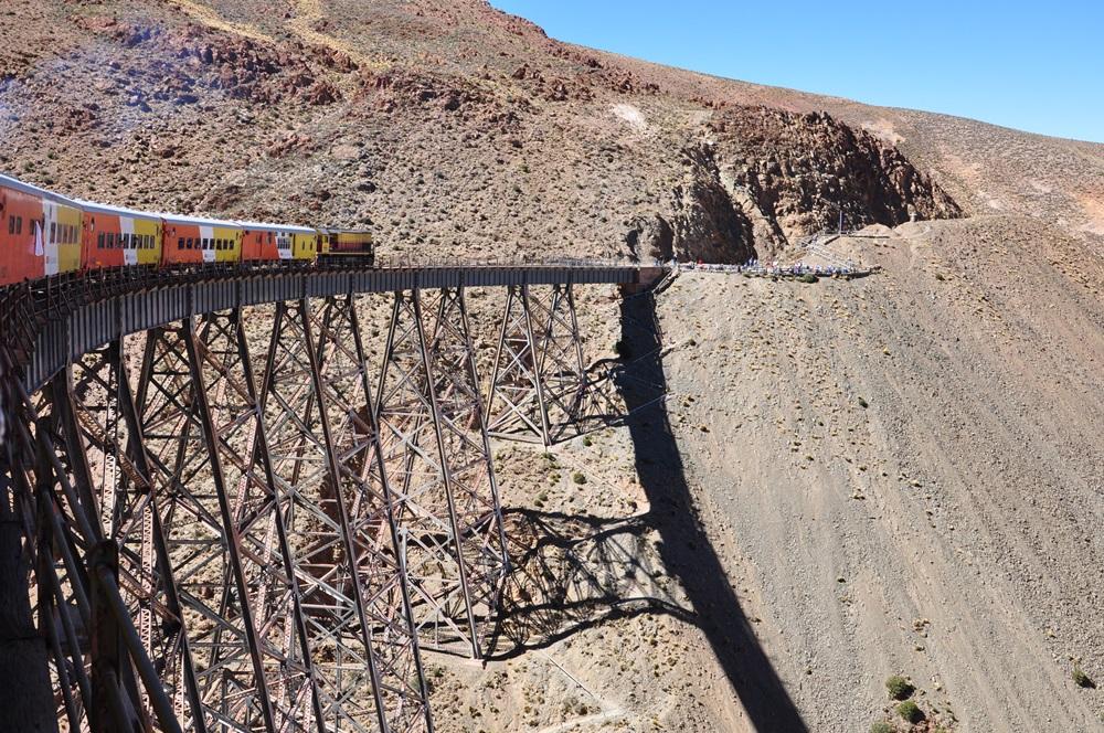 Salta  La Polvorilla Tren a las Nubes  Train to the