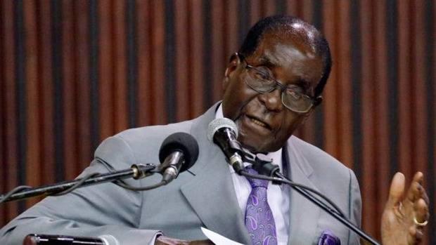 """""""Я памятник себе..."""": Президент Мугабе при жизни установил свою 4-метровую статую"""