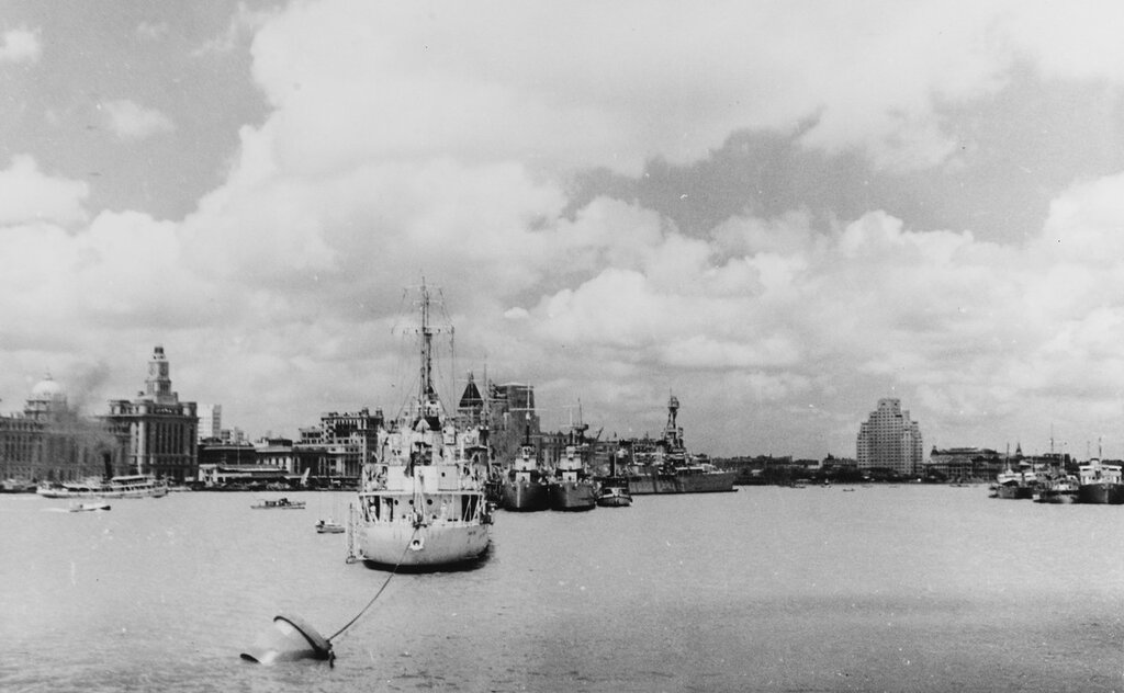 USS AUGUSTA (CA-31) View taken on 18 August 1937 in Shanghai, China, looking downstream at ~Man-of-War Row~. The ship in the foreground is SAVORGNAN DE BRAZZA (French sloop). HMS FALMOUTH and HMS DANAE are obscured by the sloop but HMS DUNCAN and HMS DUCHESS are visible. At the head of the row is U.S. Asiatic Fleet flagship, USS AUGUSTA (CA-31).