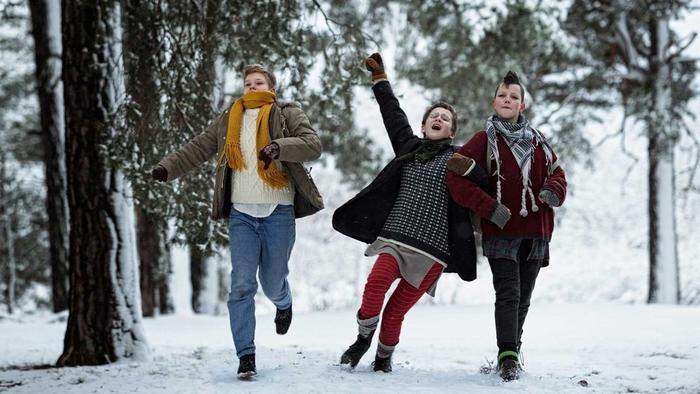 Фильм о становлении культуры панк-рока в Стокгольме. А также о том, что происходит с детьми, есл
