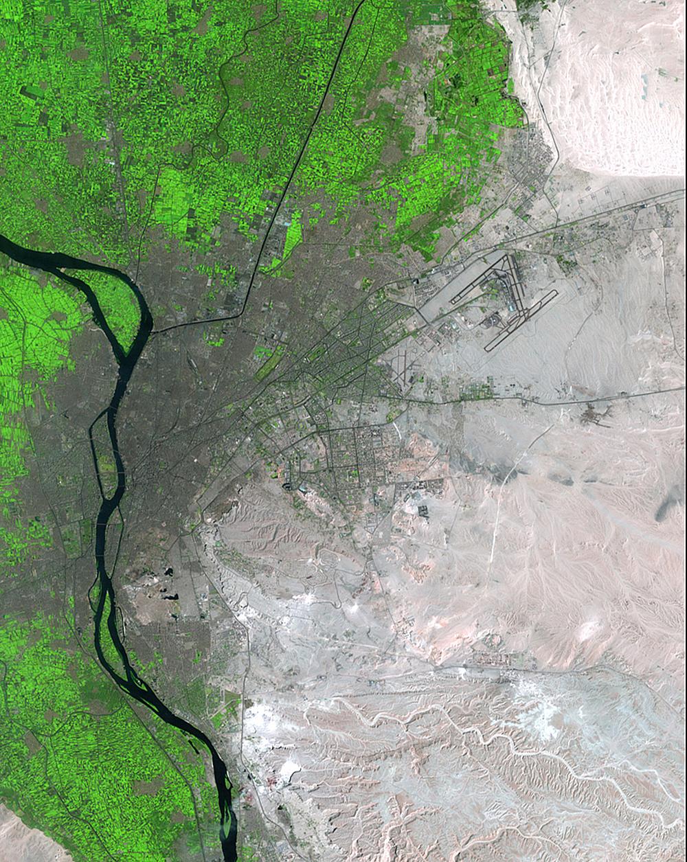Население столицы Египта Каира увеличилось с6миллионов доболее чем 15миллионов человек затот пр