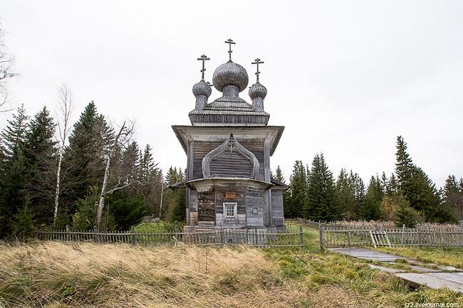 Церковь Петра и Павла XVII века — главное украшение старинного поморского села Вирма.