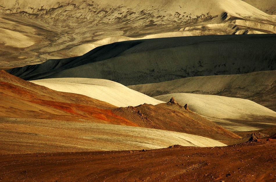 Сейчас это полигон для марсоходов, здесь моделируются условия жизни и работы на Марсе.