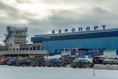 Аэропорт Мурманска закрыли из-за непогоды