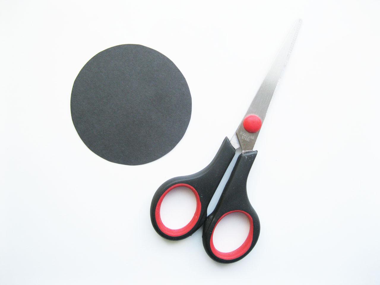 Черный кружок