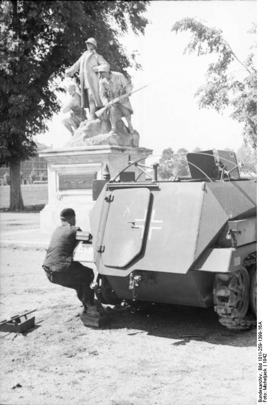 Sьdfrankreich, Schьtzenpanzer, Wartungsarbeiten