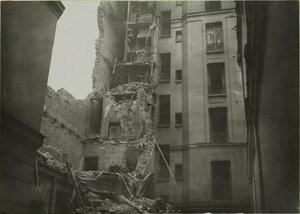 1916. Урон, нанесенный бомбами немецких дирижаблей. Улица Менильмонтан, 86. 29 января