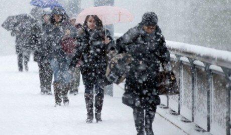 Зима полноправной хозяйкой ведёт себя в Молдове