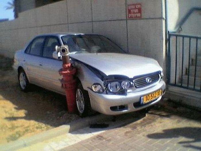 0 70276 9cae8e9f orig 60 самых нелепых автомобильных происшествий