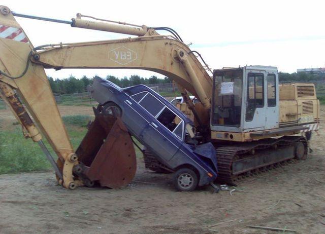 0 70286 ef3c30c5 orig 60 самых нелепых автомобильных происшествий