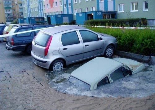 0 70287 d8e7285e orig 60 самых нелепых автомобильных происшествий