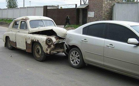 0 70297 da072648 orig 60 самых нелепых автомобильных происшествий
