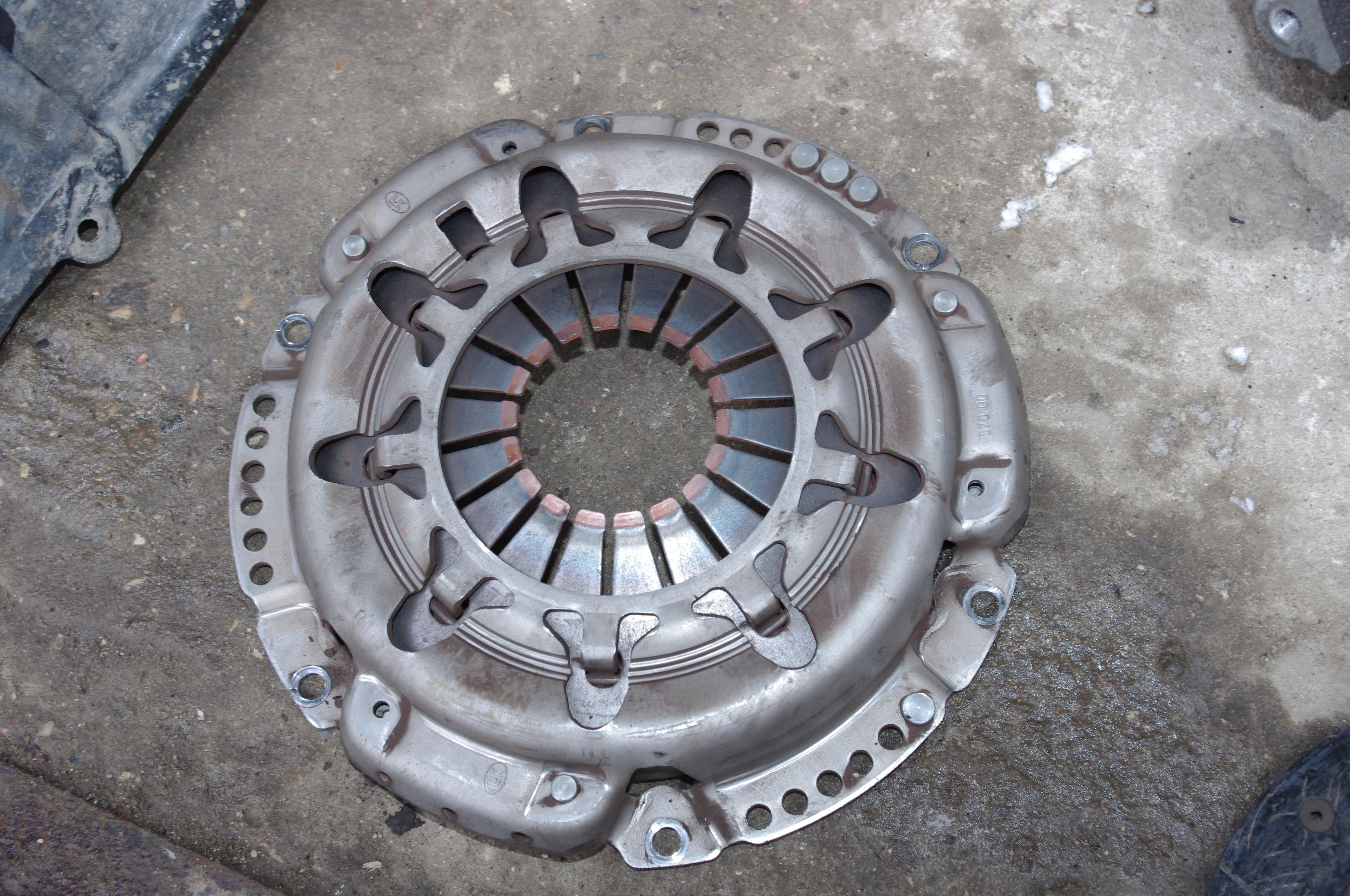 Самостоятельная замена сцепления Nissan Almera N16
