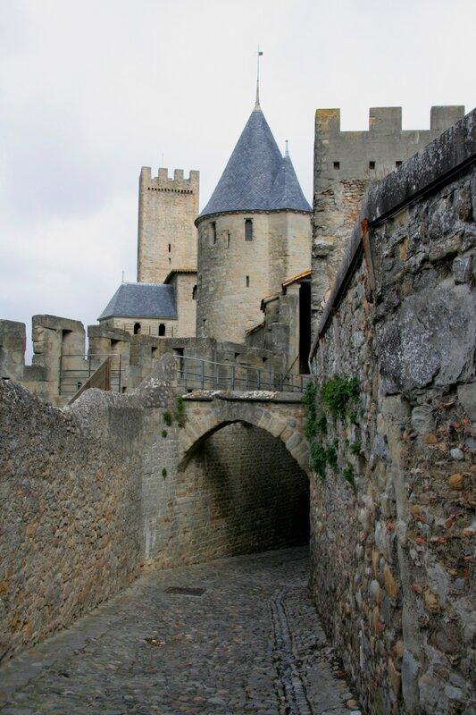 Стены и башни Каркасона