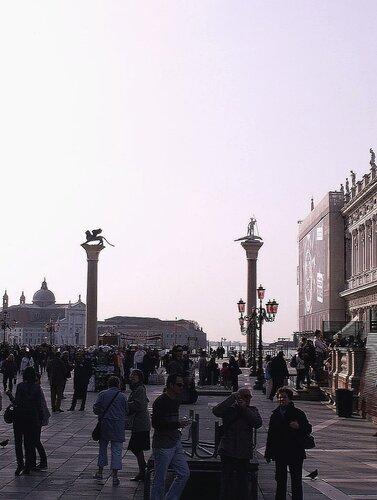 Утро на площади Святого Марка в Венеции...