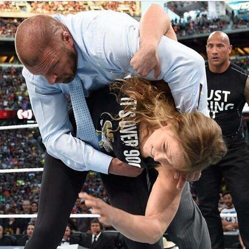 Post image of Ронда Роузи приняла участие в WrestleMania 31
