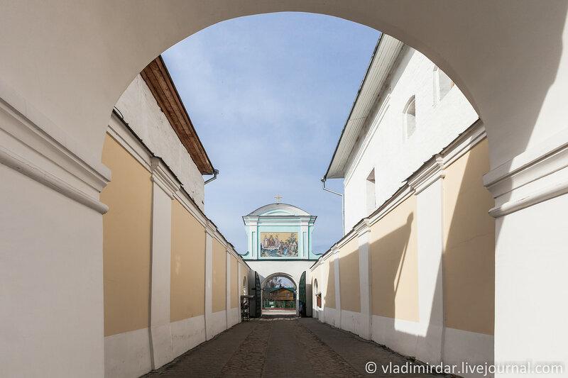 Засенье Северных Екатерининских врат. Ипатьевский монастырь.