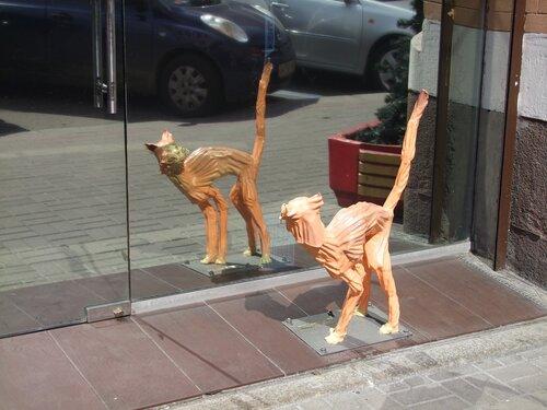 """Скульптура """"Оставляя испуг отражениям"""""""