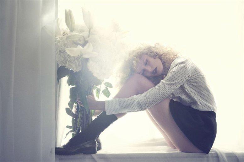 модель Каролина Куркова / Karolina Kurkova, фотограф Dusan Reljin