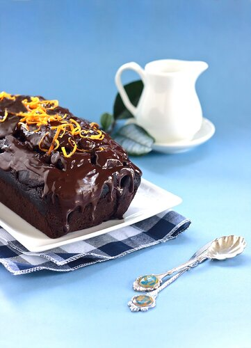Beetroot, chocolate & orange loaf