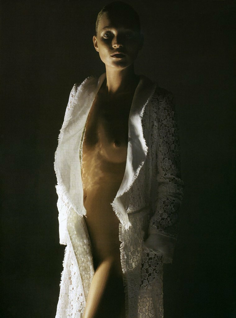 Morning Beauty Kate Moss by Mario Sorrenti