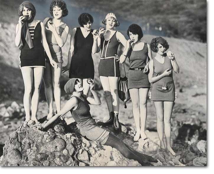 Mack Sennett Bathing Beauties eating-apples 1922