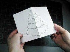 Хорошо смотрятся новогодние открытки, сделанные своими руками, с... В конце украсьте елочку по своему вкусу.