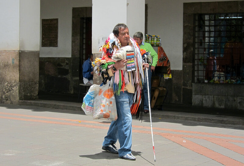 Продавец шнурков