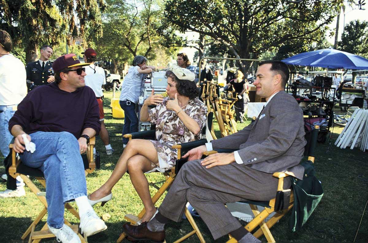 Режиссер Роберт Земекис, Салли Филд и Том Хэнкс на съемках фильма «Форрест Гамп», 1994 год