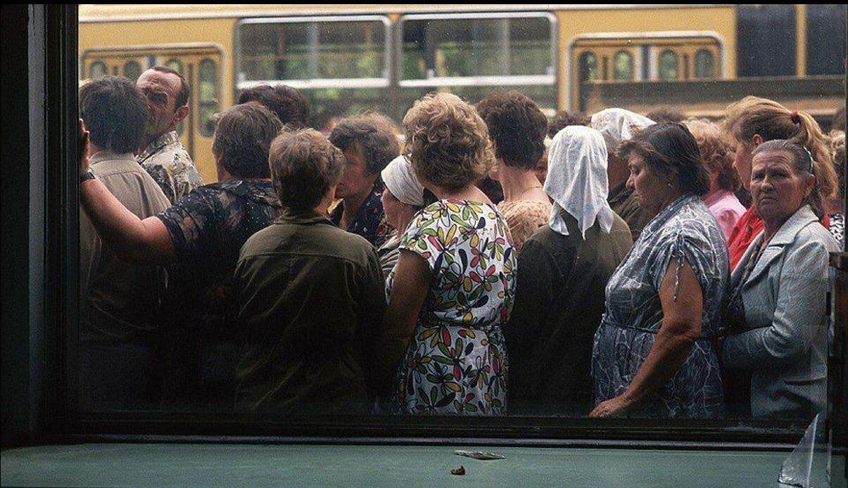1991. Москва. Очередь