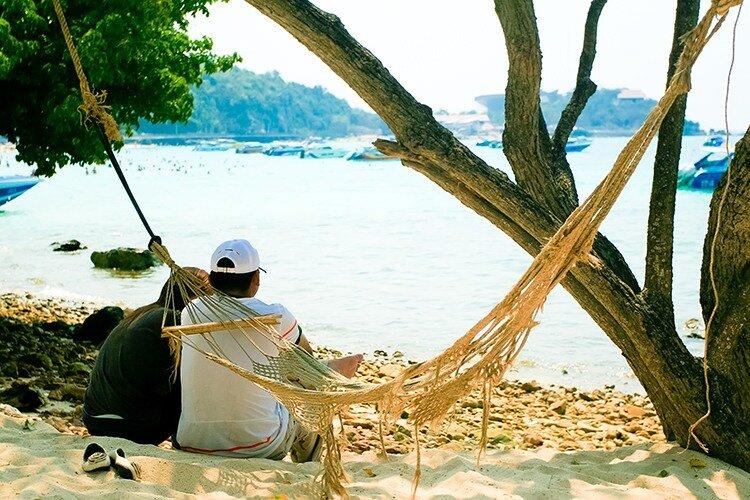 Райский остров. Белый песок. Гамак. Отдых. Тайланд