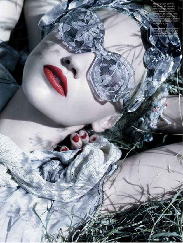 модель Саша Пивоварова / Sasha Pivovarova, фотограф Michael Thompson