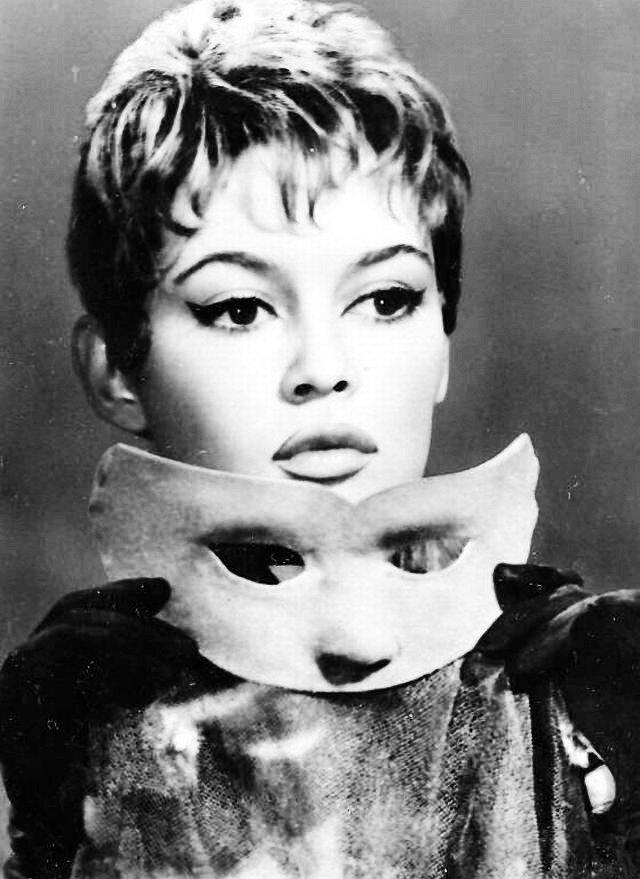 """Brigitte Bardot in """"Mademoiselle Striptease"""" 1956"""