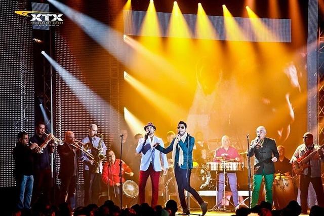 Фотографии лучших моментов церемонии Pepsi Music Awards