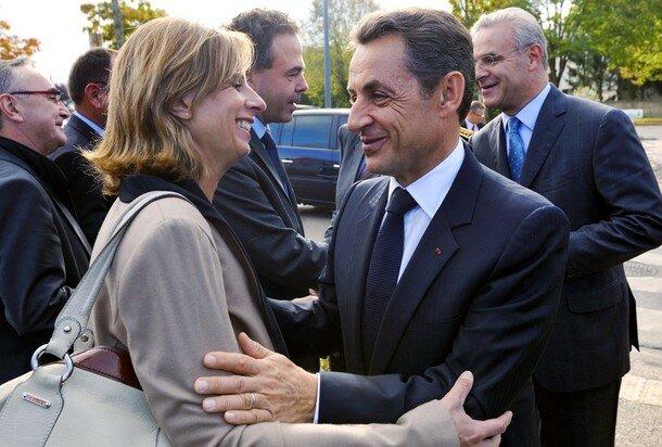 France's President Nicolas Sarkozy (R) e