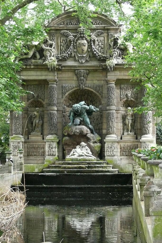 в тени Люксембургского сада