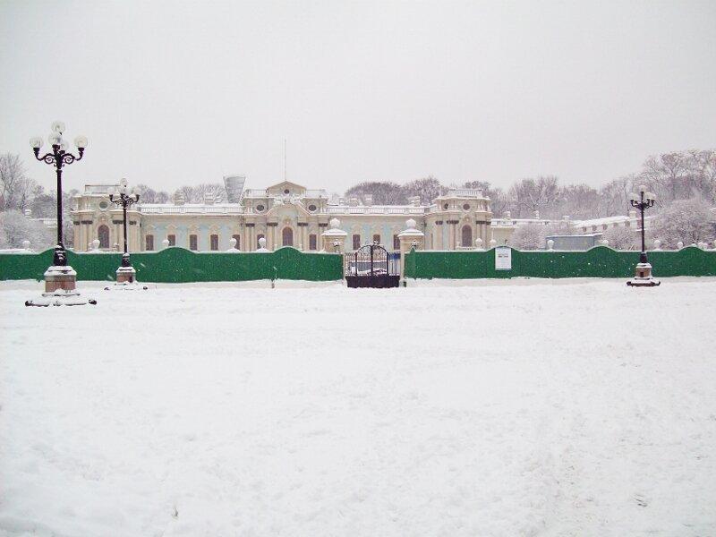 Площадь Конституции зимой
