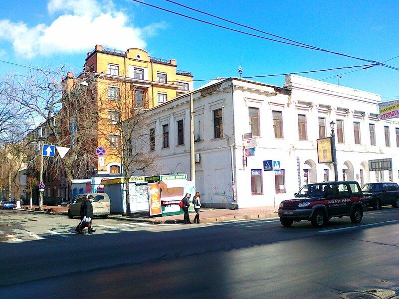 Перекресток на улице Петра Сагайдачного