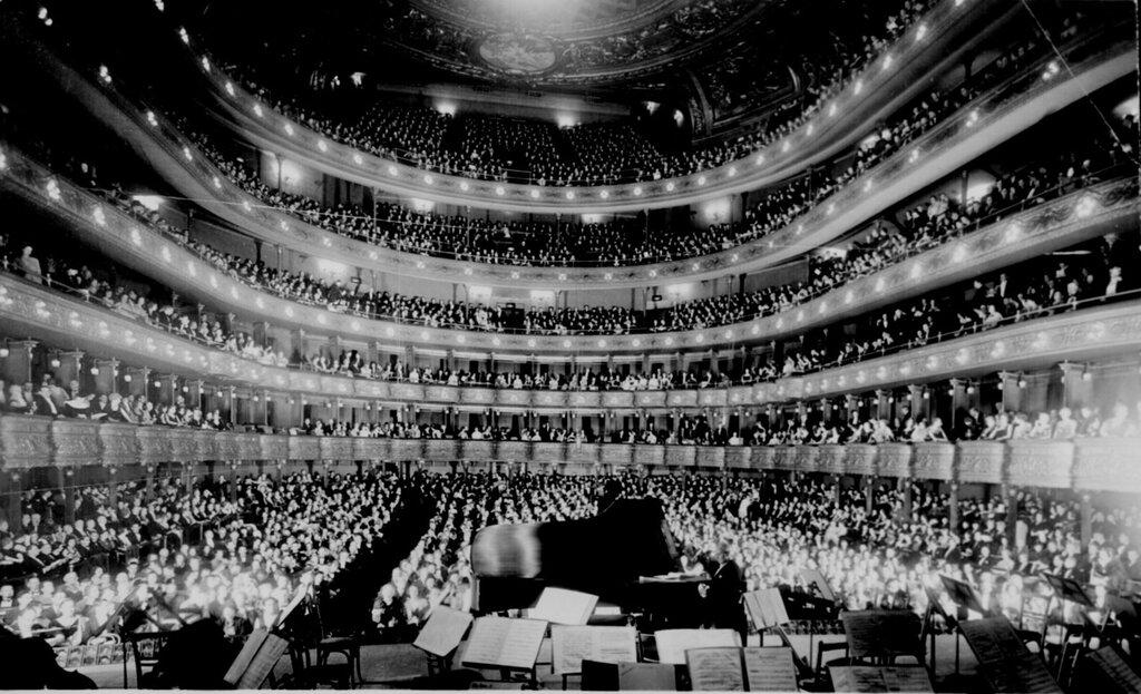 Full House at the Metropolitan Opera House 1937
