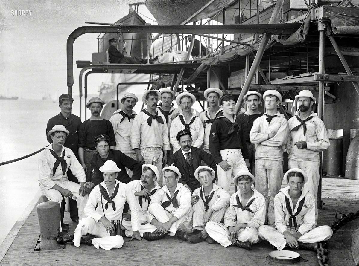 Корабли, речные суда и военные моряки на снимках американских фотографов конца 19 века (31)