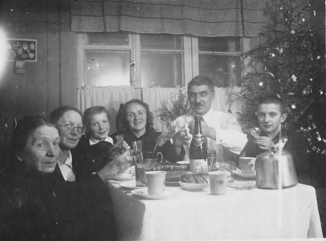 1948. Московское застолье. Новый год