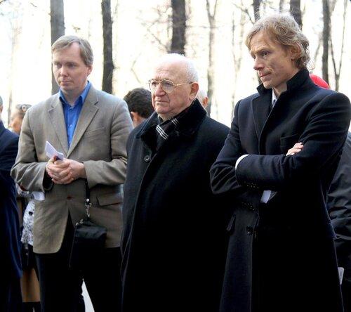 Открытие мемориальной доски Игорю Нетто 21-04-2011